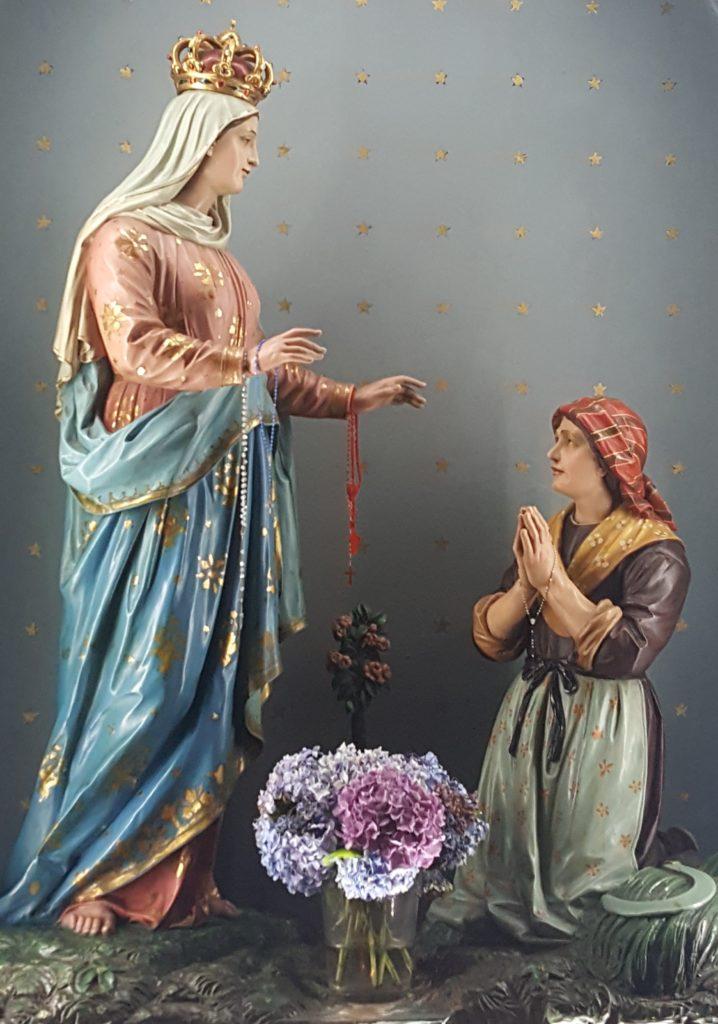Maria met Bernadette